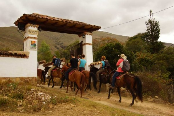 Arriving at Renacer Hostel, Villa de Leyva, Horse backriding in Villa de Leyva. -Colombian-Highlands-