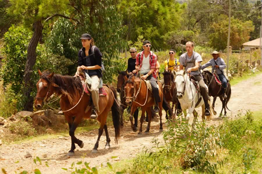Horse Backriding in Villa de Leyva. Mountain-Trips-with-Colombian-Highlands-34