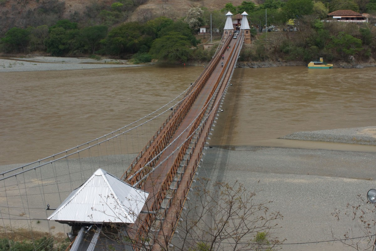 Puente de Occidente, Santa Fe de Antioquia, Colombia.